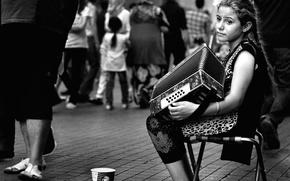 Картинка улица, девочка, гармонь
