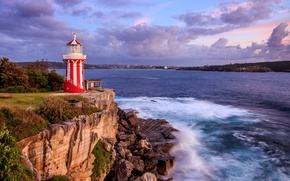 Обои Сидней, побережье, город, море, вечер, Hornby Lighthouse, Австралия, маяк, облака, небо, скалы, камни