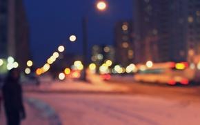 Картинка свет, город, улица, человек, дома, размытие, Ночь, фонари, автобус, bokeh, без фокуса, бокехи