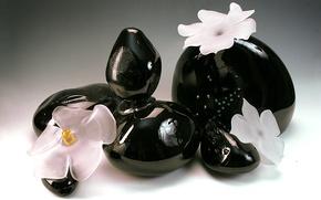 Картинка стекло, цветы, хрусталь, чёрные камни, Гусь-Хрустальный, декоративная компазиция