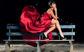 Картинка девушка, скамейка, платье