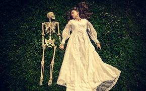 Картинка девушка, фон, скелет