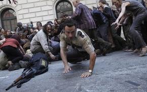 Картинка толпа, зомби, zombie, сериал, актёр, serial, The Walking Dead, Rick Grimes, Ходячие мертвецы, Andrew Lincoln, ...
