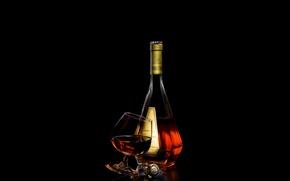 Картинка бокал, бутылка, пробка, черный фон, коньяк