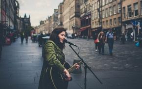 Картинка музыка, люди, улица, Англия, Лондон, гитара, микрофон, музыкант, певец, боке, городских, дождливый