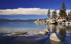 Картинка небо, облака, деревья, горы, озеро, камни, горизонт, тахо