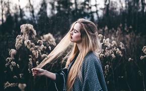 Картинка трава, девушка, волосы, макияж, Christina, moments