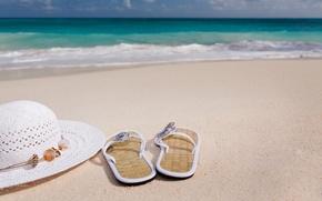 Картинка песок, море, вода, океан, берег, шляпа, сланцы, шлёпанцы, вьетнамки
