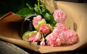 Обои цветы, букет, бумага, упаковка, скамья, розы, доски, гвоздики