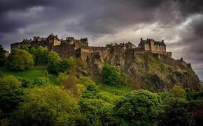 Картинка зелень, деревья, пейзаж, тучи, замок, пасмурно, вечер, Шотландия, Великобритания, Scotland, Эдинбург, Edinburgh, Great Britain, Вест-Энд, ...