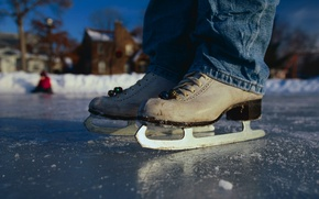 Картинка зима, джинсы, каток, коньки