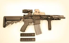 Обои оружие, фонарь, автомат, оптика