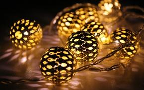 Обои праздник, новый год, гирлянда, шарики