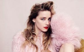 Картинка взгляд, фон, портрет, макияж, актриса, прическа, мех, шатенка, красотка, фотосессия, Amber Heard, Эмбер Хёрд, Elle