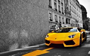 Картинка дорога, желтый, город, Lamborghini, Ламборджини, спорткар, LP700-4, Aventador, luxury, Авентадор