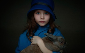 Обои детство, кролик, девочка, Паулина, Oksana Tatsenko, в голубом