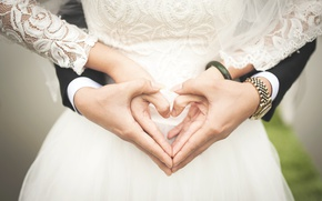 Картинка сердце, руки, невеста, жених, молодожёны