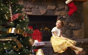 Картинка мечты, задумчивость, праздник, елка, новый год, ребенок, платье, девочка, подарки, камин, new year