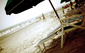 Картинка песок, лето, зонтик, Пляж, лежаки