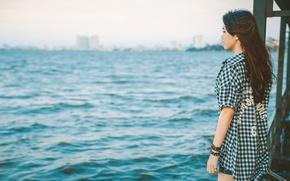 Картинка волны, девушка, город, ветер, горизонт