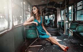 Картинка старый вагон, девушка, ситуация