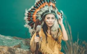 Картинка девушка, лицо, стиль, одежда, перья, раскрас, головной убор