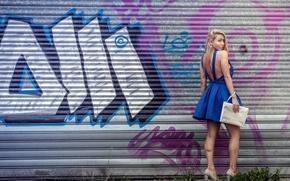 Картинка взгляд, девушка, граффити, платье