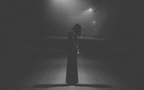 Картинка light, sad, dress, woman, street, loneliness, melancholy, shadows, darkness, lamp posts