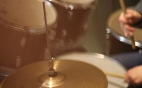 Картинка музыка, палочки, барабаны, барабанная установка, хай-хэт