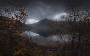 Обои осень, скалы, небо, вода, озеро, природа, горы, серые тучи, река
