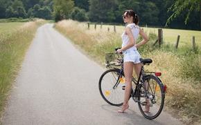 Картинка дорога, девушка, деревья, велосипед, красота, луг, шортики, ножки, photographer, Guenter Stoehr