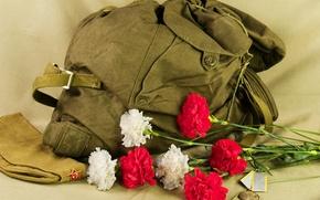 Картинка Цветы, медаль, рюкзак, пилотка, 730, был, праздником, сапогах!, с наступающим, будет.Кто, Всех, дней, тот, февраля! …