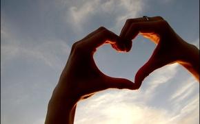 Картинка небо, любовь, знак, сердце, руки, love, чувство