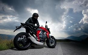 Картинка дорога, небо, облака, природа, мотоцикл, гонщик