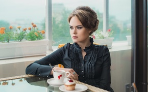 Картинка взгляд, девушка, отражение, стол, женщина, модель, еда, портрет, макияж, кружка, рубашка, шатенка, дама, beauty, сочная, …