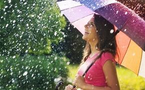 Картинка зонтик, широкоэкранные, HD wallpapers, обои, дождь, зонт, брюнетка, девушка, полноэкранные, smile, позитив, background, fullscreen, широкоформатные, ...