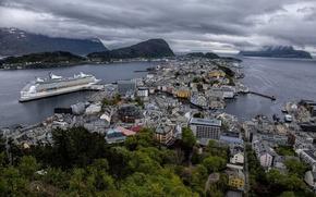 Картинка здания, дома, Норвегия, панорама, лайнер, Norway, круиз, Олесунн, Гейрангер-фьорд, фьорды, Hjørundfjorden, Geirangerfjord, Aalesund, Хьюронд-фьорд