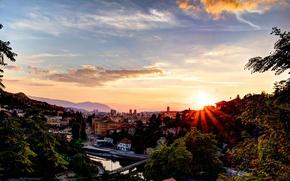 Картинка небо, солнце, лучи, деревья, закат, горы, мост, река, дома, Босния и Герцеговина, Sarajevo