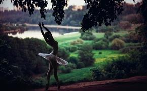 Обои лес, природа, река, танец, балерина