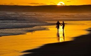 Картинка пляж, девушка, романтика, вечер, парень, двое, a romantic walk on the beach
