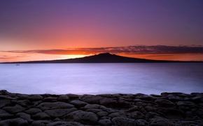 Обои гора, озеро, вода, Камни, закат