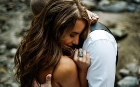 Картинка девушка, кольцо, объятия, влюбленные