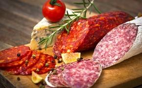 Обои помидор, sausage, cheese, сыр, колбаса, розмарин, кусочки, специи