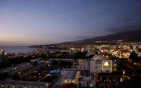 Картинка море, горы, дома, вечер, бассейн, отель, Испания, night, Spain, Тенерифе, Tenerife, панорама.