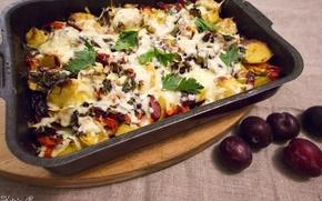 Картинка зелень, еда, сыр, перец, фрукты, овощи, сливы, петрушка, поднос, блюдо, картофель, ассорти