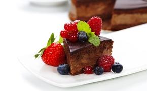 Обои сладости, торт, десерт, глазурь, черника, ягоды, малина, пирожное, смородина, клубника