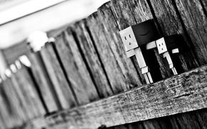 Картинка макро, коробка, забор, чёрно-белое, размытость, danbo