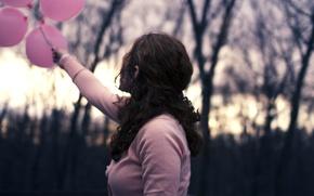 Картинка листья, девушка, солнце, шарики, деревья, ветки, природа, воздушные шары, фон, widescreen, обои, розовая, настроения, спина, …