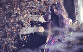 Картинка листья, девушка, портрет, платье, боке