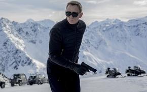 Картинка Action, Nature, Cars, Winter, Daniel Craig, 007, Black, Snow, Wallpaper, Guns, Mountains, James Bond, Year, …